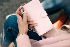 Ilus rahakott sümboliseerib rikkust ja tõmbab juurde küllust