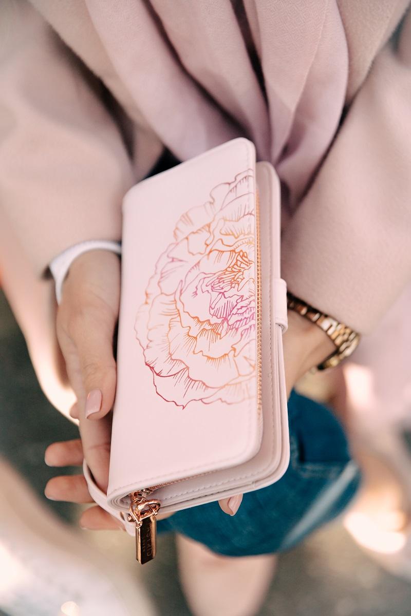 pink wallet loven